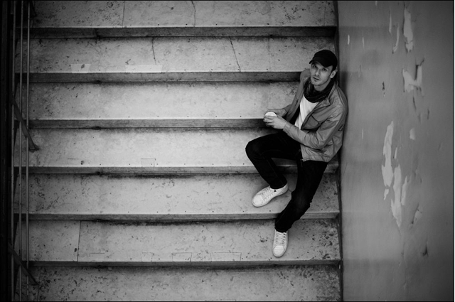 Sascha Weidner on the stairs at C/O Berlin
