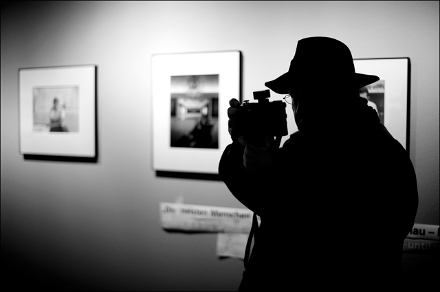 Leica photographer at Arnold Newman press conference C/O Berlin